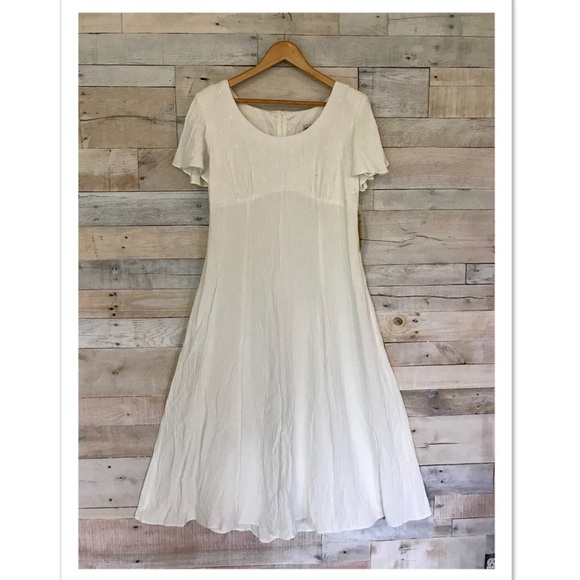 26eb6428e17f J.B.S. Ltd Vintage White Flowy Midi Dress 12